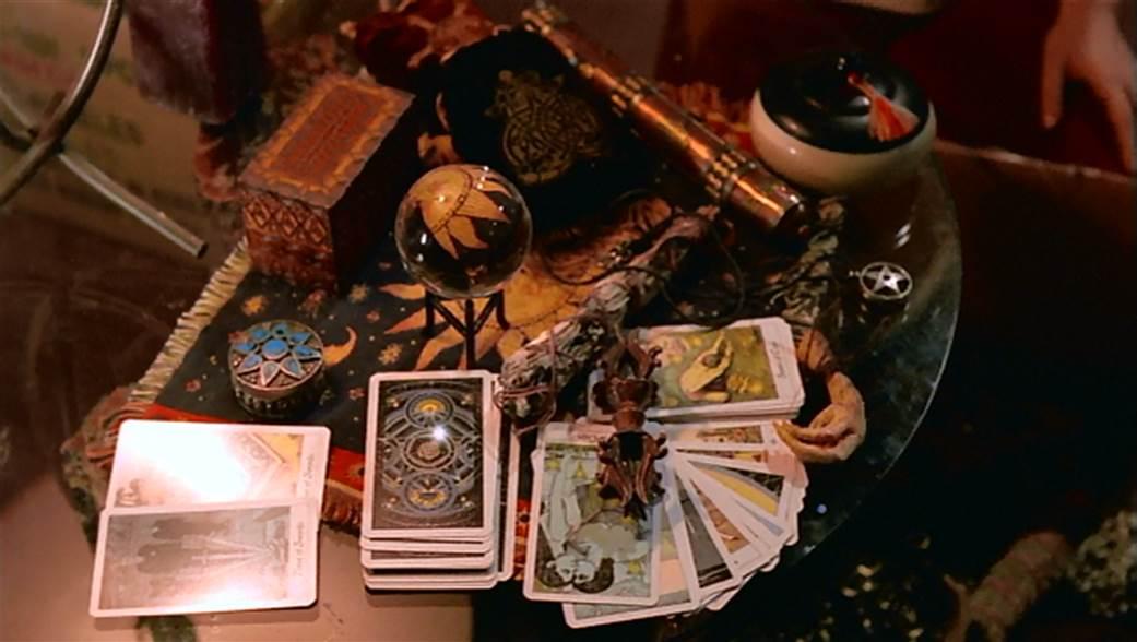 http://www.paranormal.ro/wp-content/uploads/2019/04/divinatii.jpg